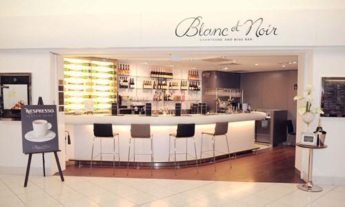 Blanc et noir champagne bar birmingham airport website - Bar piano blanc et noir ...