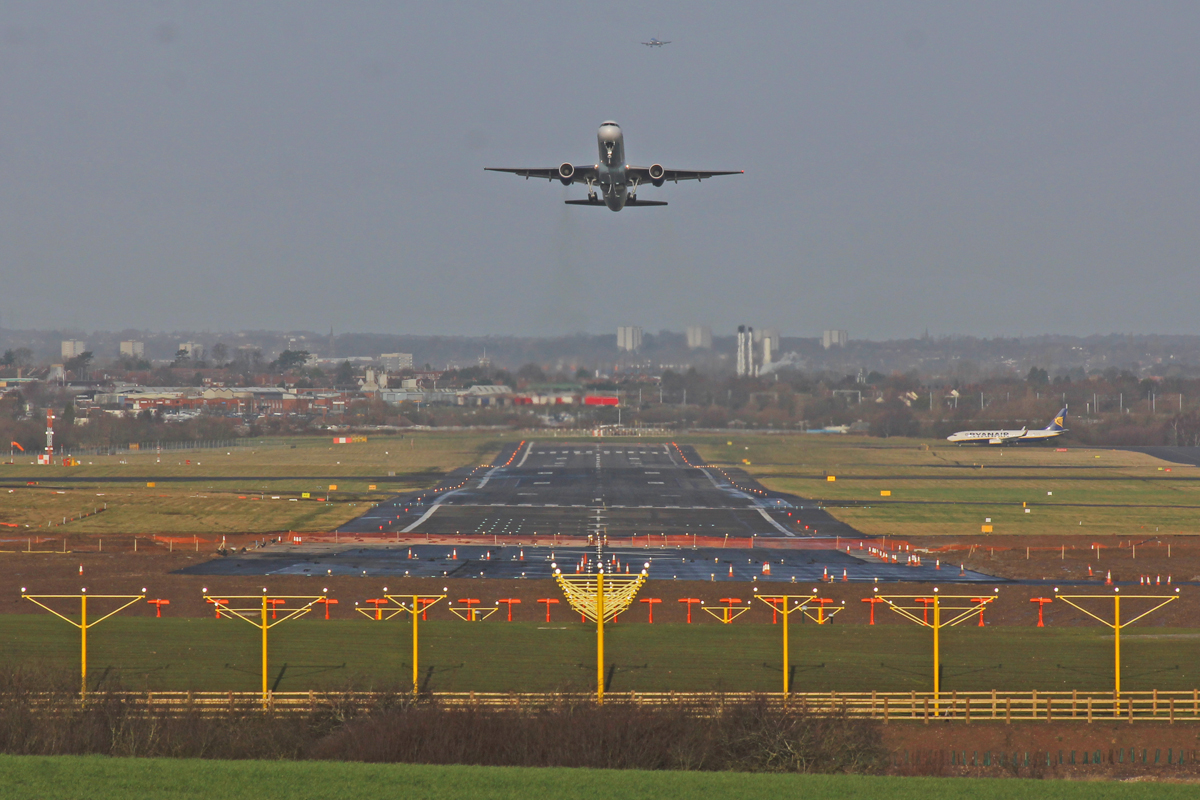 Airports Commission S Research On Effect On Runway