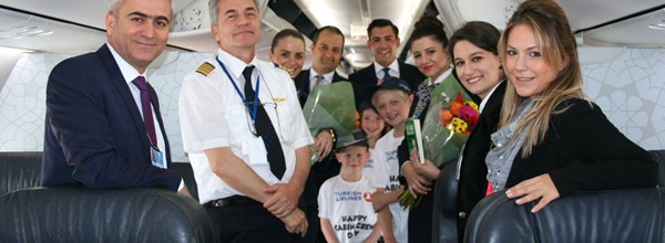 Turkish Airlines Celebrate International Cabin Crew Day at Birmingham Airport