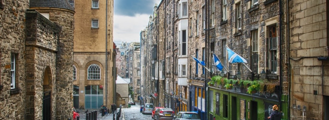 Explore the cobbled streets of Edinburgh on a solo trip to the Scottish Capital.